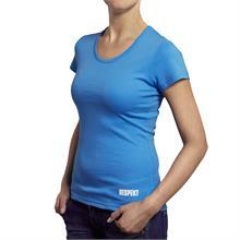 Světle modré tričko s krátkým rukávem a logem